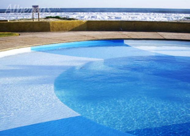Desjoyaux piscinas for Construccion de piscinas en monterrey